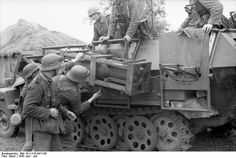 24th Panzer Division ... Sdkfz 251 with raketten werfer....