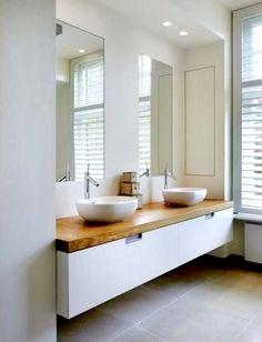 Encimera de madera para el baño