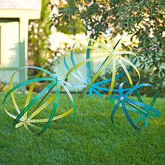 Paint these eye-catching lawn sculptures to add drama and color to your garden. They're easy to build and will be enjoyed for years.
