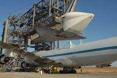 Space shuttle and 747