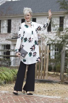 Best Fashion Tips For Women Over 60 - Fashion Trends Rebel Fashion, 50 Fashion, Autumn Fashion, Fashion Outfits, Fashion Over Fifty, Over 50 Womens Fashion, Fashion Tips For Women, Mode Chic, Mature Fashion