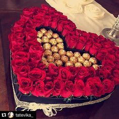 Send Black Velvet Heart Box with 135 Roses and Chocolate. in Glendale, CA from Boxed Flowers and Sweets, the best florist in Glendale. Valentine Bouquet, Valentines Flowers, Valentine Box, Valentine Nails, Valentine Ideas, Bouquet Box, Candy Bouquet, Beautiful Rose Flowers, Beautiful Flower Arrangements
