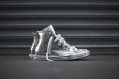 Converse All Star lança modelos Chuck Taylor metálicos