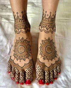 Pretty Henna Designs, Indian Henna Designs, Mehndi Designs Feet, Latest Bridal Mehndi Designs, Henna Art Designs, Modern Mehndi Designs, Mehndi Designs For Girls, Wedding Mehndi Designs, Dulhan Mehndi Designs