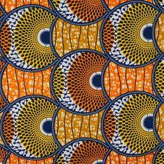 Tissu Wax véritable , en coton très dense et finement tissé. Ce célèbre tissu réveillera vos vêtements, apportera de la créativité dans vos intérieurs.Entotallookou par touche, laissez vous tenter par ces motifs aux couleurs vives, aussi éclatantes au recto qu'au verso !    - Composition : 100% coton garantie Wax véritable  - Largeur : 110 cm de laize  - Poids : ± 160 grammes/m²  