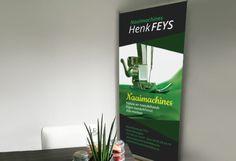 Roll-up banner Naaimachines Henk Feys.