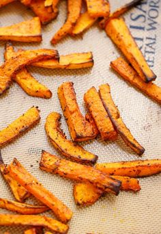 How to make perfect, crispy, vegan and gluten-free butternut squash fries! A great alternative to greasy fries and perfect when you have no sweet potatoes.