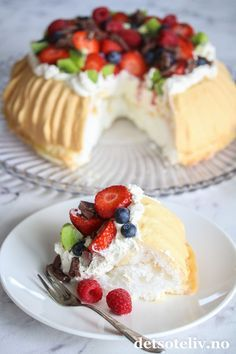 Sukkerfri Pavlova | Det søte liv Pavlova, Norwegian Food, Healthy Cake, Home Baking, Snacks, Christmas Desserts, No Bake Desserts, Yummy Cakes, No Bake Cake