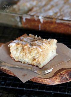 Banana Bread Crumb Cake by Cookies & Cups
