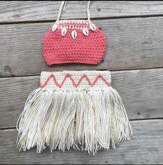 crochet moana outfit not my work Crochet Home, Crochet For Kids, Crochet Crafts, Crochet Projects, Baby Moana Costume, Baby Costumes, Moana Birthday Party, Moana Party, Baby Birthday