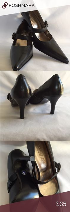 "Shoes 🌴 BNWOT, leather pumps 2.5 "", gorgeous , comfortable. Forlinda Shoes Heels"