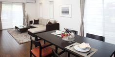 美しく心地よいトータルコーディネートをサポートする|ISN|タマリビング|タマホームグループ Conference Room, Table, Furniture, Home Decor, Decoration Home, Room Decor, Tables, Home Furnishings, Home Interior Design