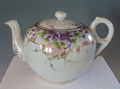 Hey, I found this really awesome Etsy listing at https://www.etsy.com/listing/226096413/porcelain-japanese-teapot-with-purple