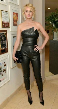Amber Valetta - Stars attend the Harper's Bazaar celebration of the 150 Most Fashionable Women Leather Pants Outfit, Black Leather Dresses, Black Leather Pants, Sexy Outfits, Sexy Dresses, Lederhosen Outfit, Amber Valletta, Leder Outfits, Looks Black