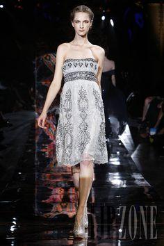 Zuhair Murad - Couture - Fall-winter 2008-2009 - http://www.flip-zone.net/fashion/couture-1/fashion-houses/zuhair-murad,693