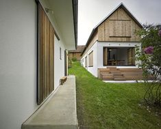 Farmhouse Photo: Wolfgang Leeb - Selina - # Source by menzil Farmhouse Renovation, Farmhouse Remodel, Gable Roof Design, Small Guest Rooms, Farmhouse Architecture, Roof Trusses, Garden Office, House Roof, Exterior Design