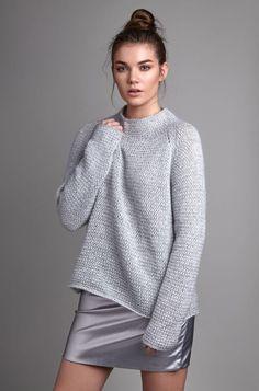 Модный свитер спицами женский 2018