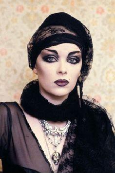 Goth woman in 1983, photo by Peter Jordan