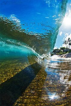 Clark Little Photography - Hawaii. Ride the waves