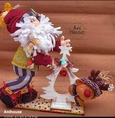 Christmas Clay, Christmas Fabric, Christmas Time, Xmas, Felt Wreath, Burlap Wreath, Holiday Time, Fabric Decor, 4th Of July Wreath