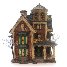 lemax spooky town collection halloween village building. Black Bedroom Furniture Sets. Home Design Ideas
