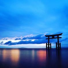 琵琶湖に浮かぶ神秘のパワースポット  白髭神社  #和 #和風 #絶景 #パワースポット #神社 #琵琶湖 #japan #japonism #landscape #japaneseculture #spiritual  #japanesetradition