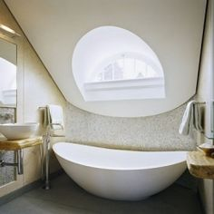Bathroom inspiration. (via style-files)