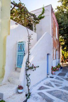 House in Naxos, Greece Naxos Greece, Castle Ruins, Santorini, Greek, Scene, Cottage, Houses, Explore, World