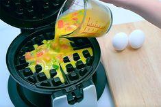 Vaffeljernet kan bruges til meget andet end vafler. Prøv f.eks. at lave omeletter, brownies eller kanelsnegle i det. Se her, hvordan du gør.