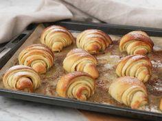 Vaniljgifflar | Recept från Köket.se Fika, Something Sweet, Sugar And Spice, Doughnut, Muffin, Spices, Good Food, Goodies, Rolls