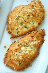 Parmesan Crusted Chicken -We use pounded thin chicken breasts, coat in a delicio. - Parmesan Crusted Chicken -We use pounded thin chicken breasts, coat in a delicious Parmesan coating - Chicken Thights Recipes, Chicken Parmesan Recipes, Chicken Salad Recipes, Recipe Chicken, Chicken Meals, Baked Parmesan Crusted Chicken, Chicken Bacon, Chicken Casserole, Delicious Chicken Recipes