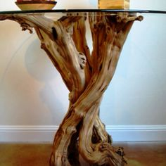 table base made from a grapevine! Log Furniture, Furniture Design, Wood Table, Tree Table, Wood Design, Decoration, Home Deco, Wood Art, Grape Vines