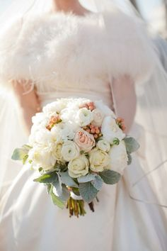 110 Unique And Beautiful Winter Wedding Bouquets You'll Love | HappyWedd.com