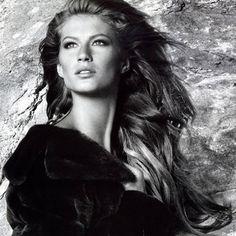 WEBSTA @ supermodelgisele - Campaigns 2002 @gisele for #BlackGlama 2002 by @patrickdemarchelier#gisele #giselebündchen #giselebundchen #fashion #model #models #modeling #supermodel #queen #fashionicon #brazil #brazilian #victoriassecret #vsmodel #vsangel #highfashion #beauty #adcampaign #campaign #fashionqueen #hair #makeup #pretty #goddess #beautiful #gorgeous #iconic #blackandwhite #patrickdemarchelier