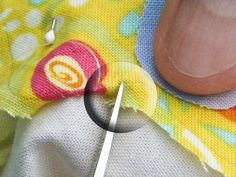 A Passion for Applique: Needleturn Applique valleys and deep V Tutorial Quilting Tips, Quilting Tutorials, Hand Quilting, Sewing Tutorials, Sewing Tips, Sewing Ideas, Sewing Projects, Patchwork Tutorial, Applique Tutorial