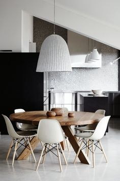Steven Whiting architect - inspirations REKASZEPFY photographed by sharyn cairns Sicis glass mosaic |charles & ray eames dsw dining chairs | mark tuckey tripod table | gervasoni bell 95 light