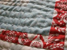 Hand quilting tutorial I like the look achieved w/ pearl cotton & big stitches in rows, need to try this...maybe on the happy quilt? ~SH