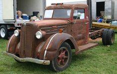 Old Trucks - 1938 Stewart Truck Model Cool Trucks, Big Trucks, Dodge Hemi, Dodge Diesel, Rusty Cars, Steyr, Tow Truck, Vintage Trucks, Barn Finds