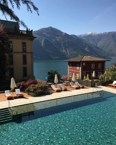 Comer See, Italien - mariam kobakhidze - Travel Cool Places To Visit, Places To Travel, Places To Go, Travel Destinations, Travel Trip, Overseas Travel, Travel Abroad, Travel Goals, Solo Travel