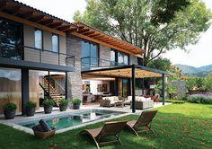 11 Glass House Modern Exterior Designs ~ Home Decor Journal Modern Exterior, Exterior Design, Renovation Facade, Rest House, Facade House, Glass House, House Goals, Modern House Design, Home Interior