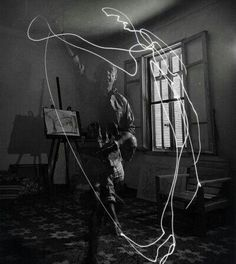 Pablo Picasso, Light Painting, 1949 #pablopicasso #picasso #art