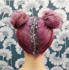it comes to hair, 2015 was arguably the craziest year. From rainbow and glitter roots to galaxy hair, girls (and dudes! Check out the 15 wildest hair trends we've seen in the last 365 days. Crazy Hair Day At School, Crazy Hair Days, Crazy Hair Day Girls, Glitter Roots, Glitter Hair, Glitter Eyeshadow, Glitter Dress, Glitter Fabric, Glitter Makeup
