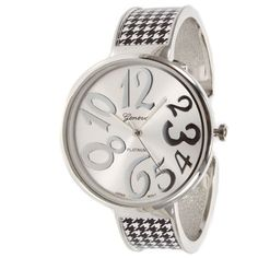 Alabama Crimson Tide Inspired Collegiate Fashion Watch Featuring Silver Tone Finish, Large Whimsical Face, and Houndstooth Pattern Accents Geneva http://www.amazon.com/dp/B00I2DHT10/ref=cm_sw_r_pi_dp_15N4tb1JDJ1VM