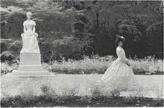 Empress Elisabeth out for a walk. After she turned 32 she did not allow anybody to take pictures or paint portraits of her, and she started wearing a black veil upon her face as a way to preserve the idea of her young beauty. Austria, Die Habsburger, Impératrice Sissi, Empress Sissi, Elisabeth I, Kaiser Franz, Black Veil, Royal Weddings, Famous Women