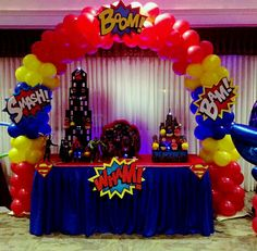 Balloon arch super heroe - Visit to grab an amazing super hero shirt now on sale! Superman Party, Superman Birthday, Avengers Birthday, Superhero Birthday Party, 1st Birthday Parties, Spider Man Party, Avenger Party, Wonder Woman Birthday, Wonder Woman Party