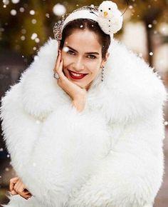 Amanda Wellsh by Alvaro Beamud Cortes for Vogue Spain December 2015