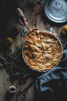 A Retreat: Mystical - Calm - Simple - Pure Rustic Food Photography, Food Photography Styling, Easy Pie Recipes, Sweet Recipes, Sweet Pie, Homemade Pie, Seasonal Food, Breakfast Dessert, Food Pictures
