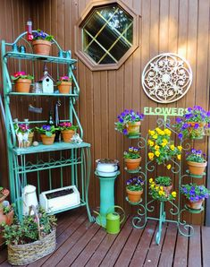 Having a potting bench makes working in the garden so much easier and more organized. Here's a great collection of DIY potting bench ideas. Bakers Rack Decorating, Porch Decorating, Outdoor Bakers Rack, Indoor Garden, Outdoor Gardens, Outdoor Projects, Outdoor Decor, Outdoor Ideas, Vintage Garden Decor