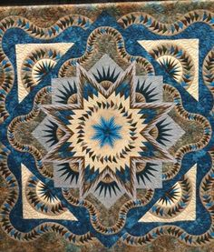 Glacier Star, Quiltworx.com, Photo taken at the Mountain Quilt Fest in Pigeon Forge, TN sent to us by Linda Crouch of CS Tennessee Quilts
