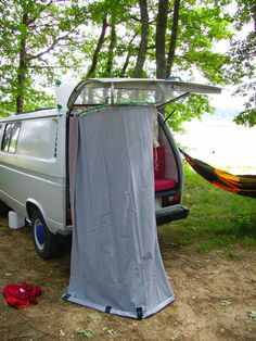 Tailgate shower use hula hoop camping pinterest campingbus wohnwagen und camper - Cabine de douche camping ...
